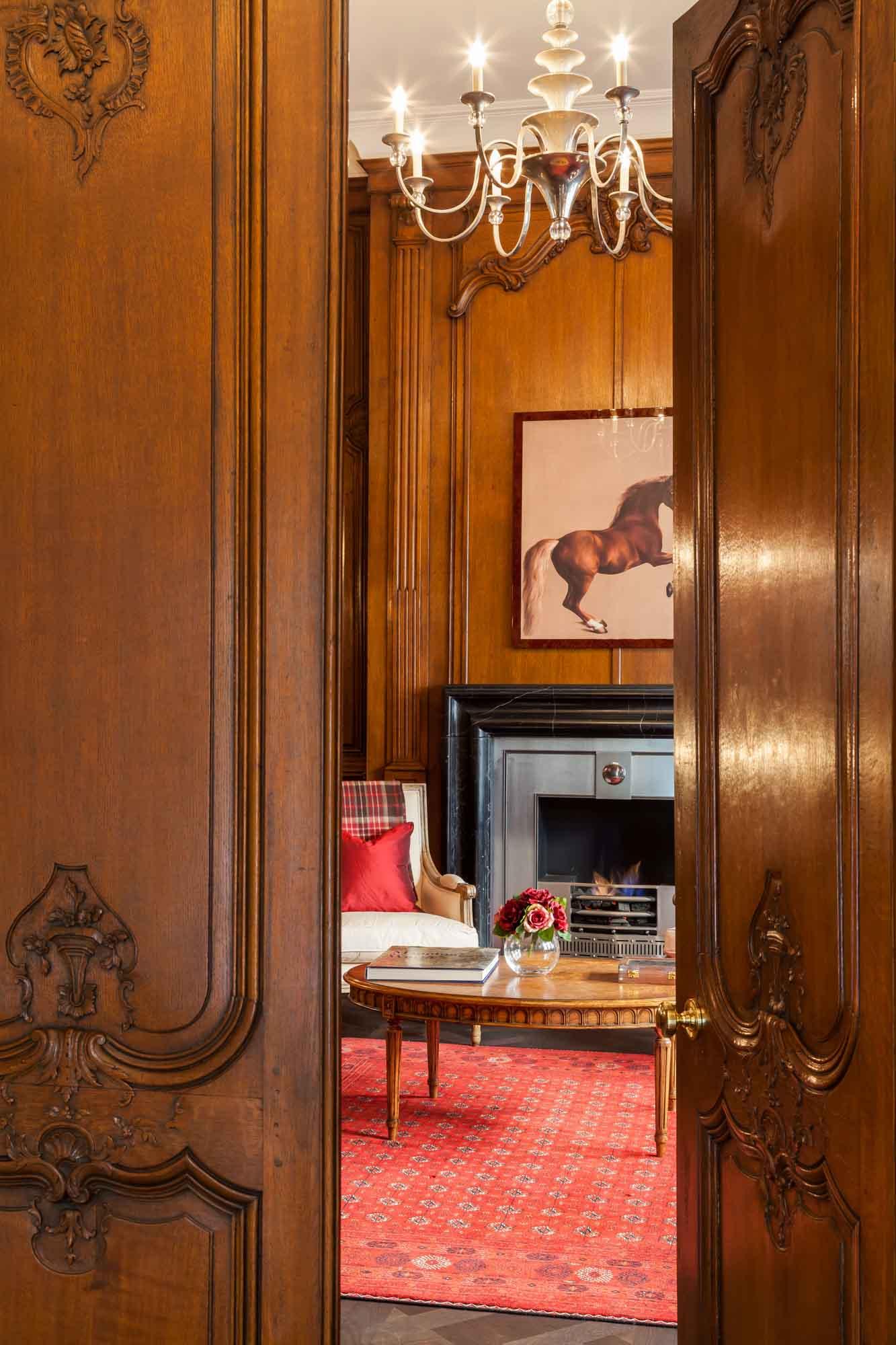 jonathan bond photography, wooden doorway view of living room, hyde park, london