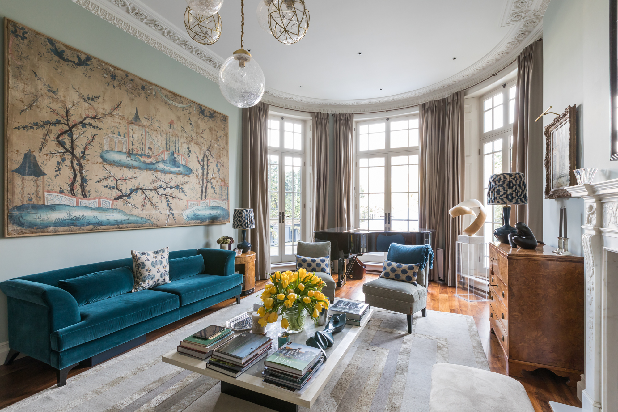 jonathan bond, interior photographer, living room view of wall hanging picture, holland park, london