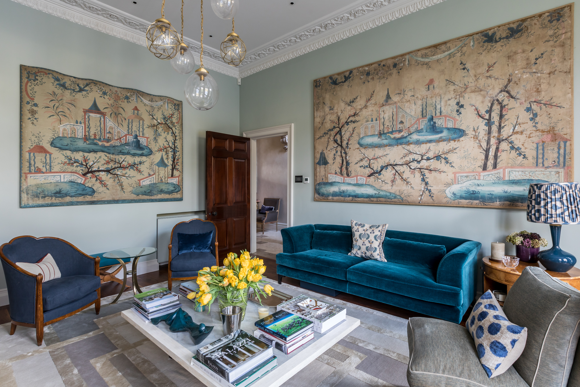 jonathan bond, interior photographer, two piece sofa & armchairs, holland park, london