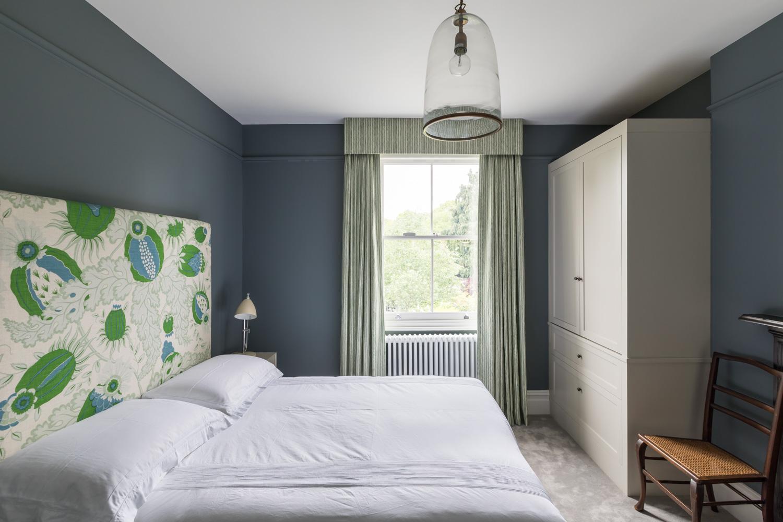 jonathan bond, interior photographer, double bedroom clear pendant light, ealing, london