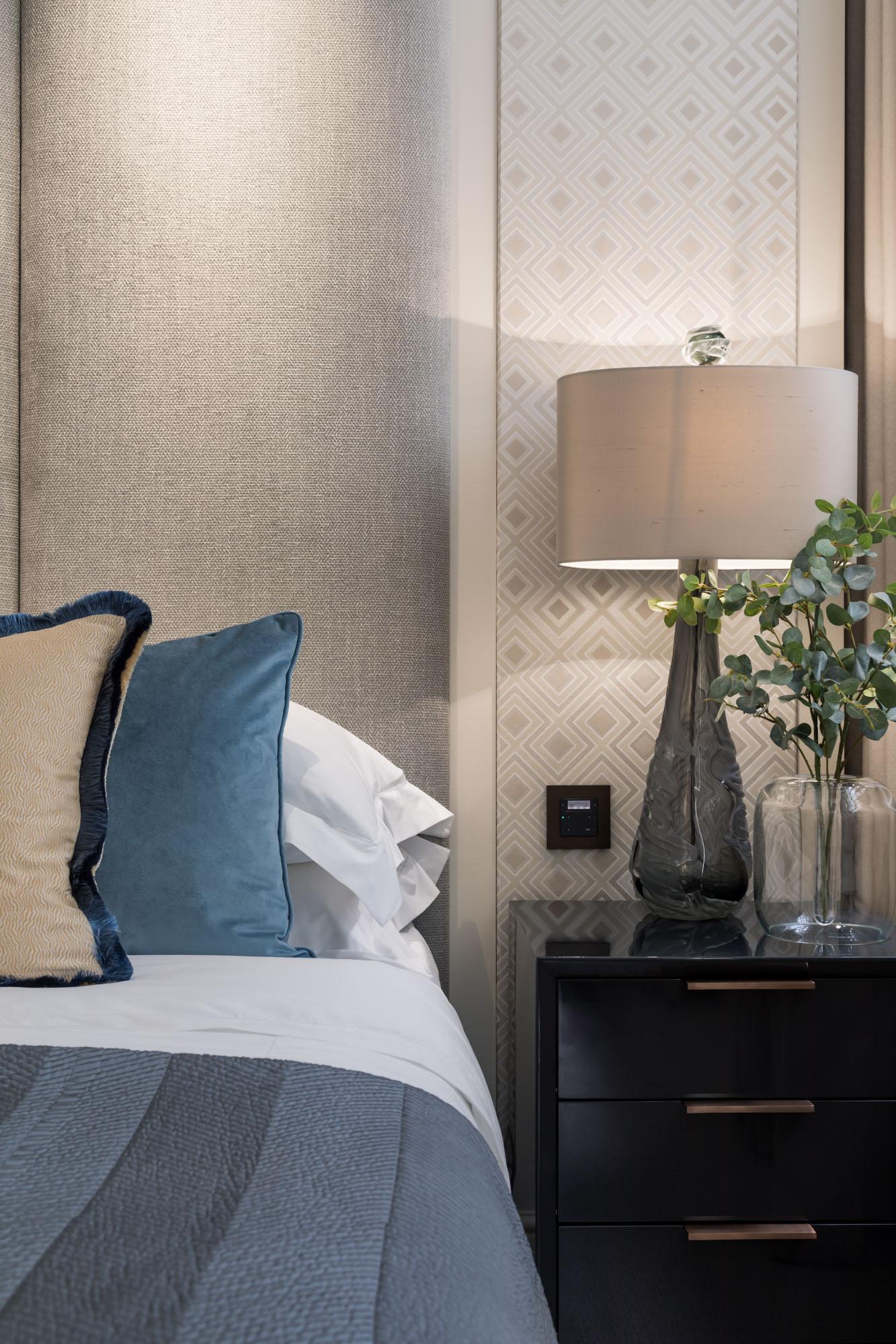 jonathan bond, interior photographer, bedside lamp, chelsea, london