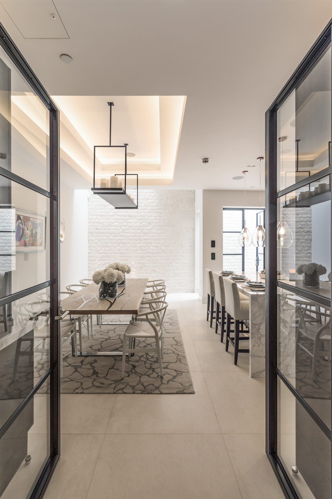 jonathan bond, interior photographer, view of kitchen table, chelsea, london