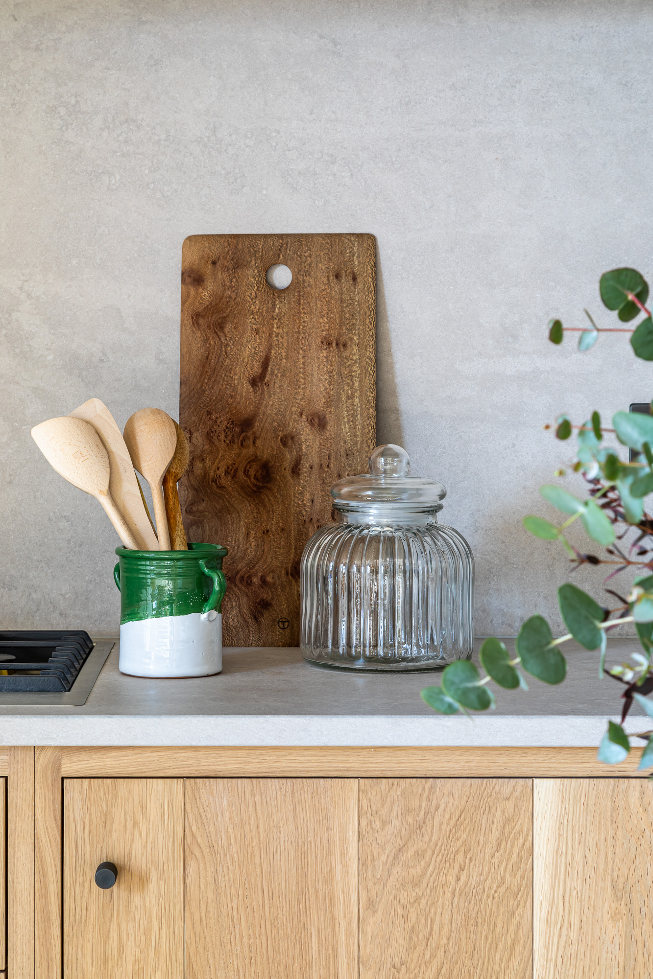 jonathan bond, interior photographer, kitchen work surface, jar, chopping board, marnhull, dorset