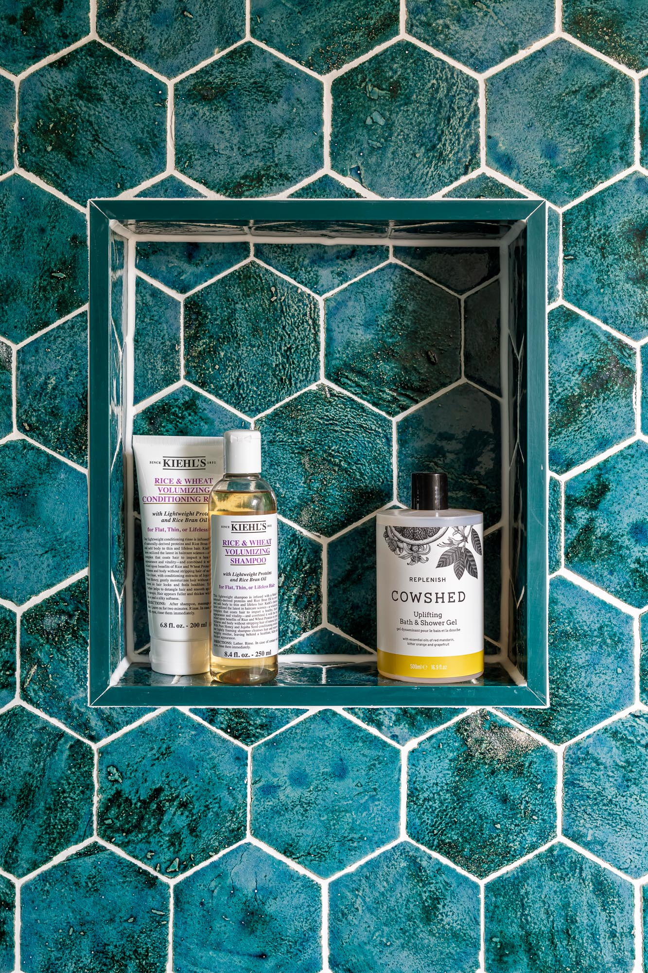 jonathan bond, interior photographer, recessed blue tiled bathroom shelf, marnhull, dorset