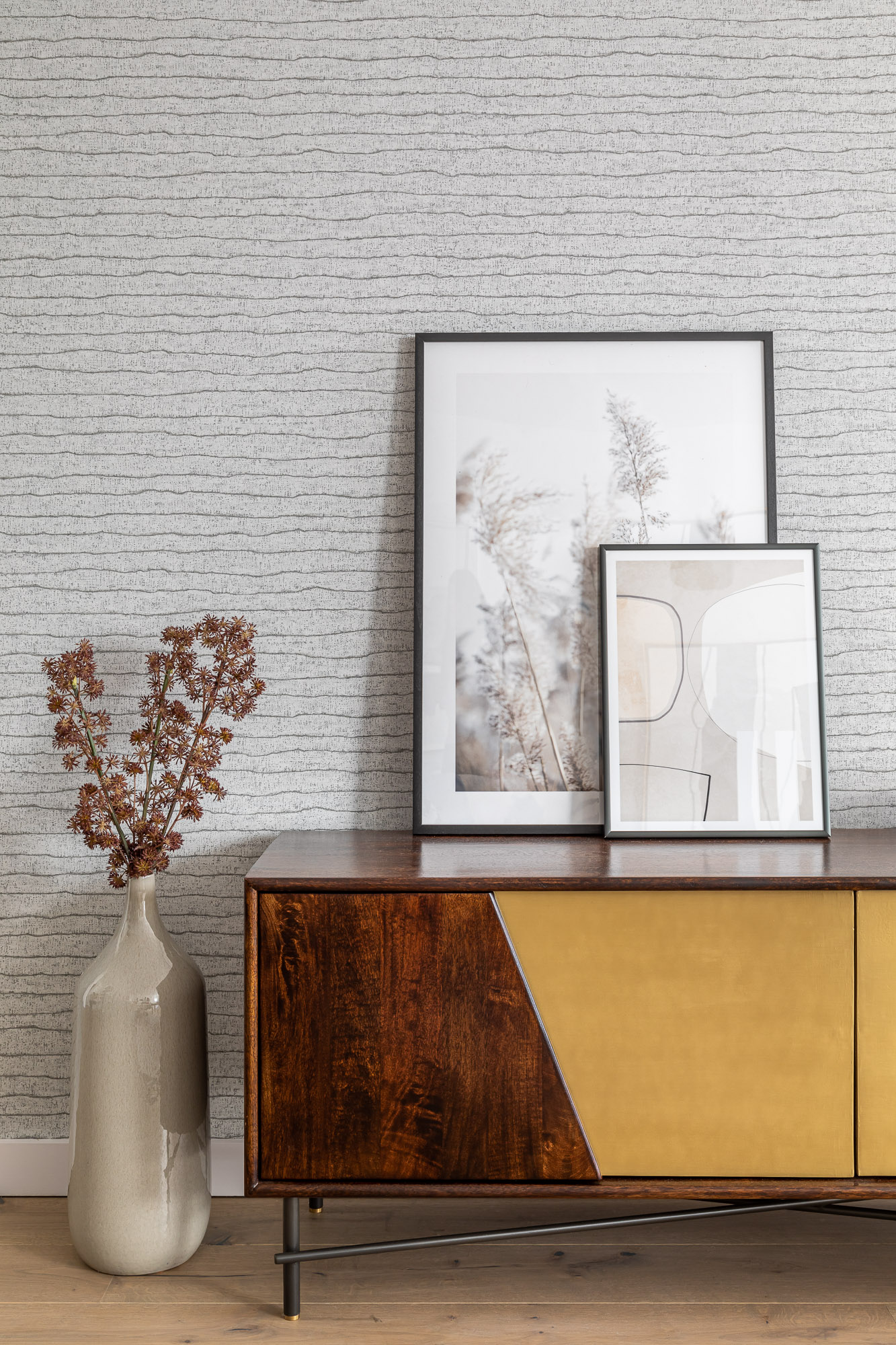 jonathan bond, interior photographer, side cabinet & pictures, putney london