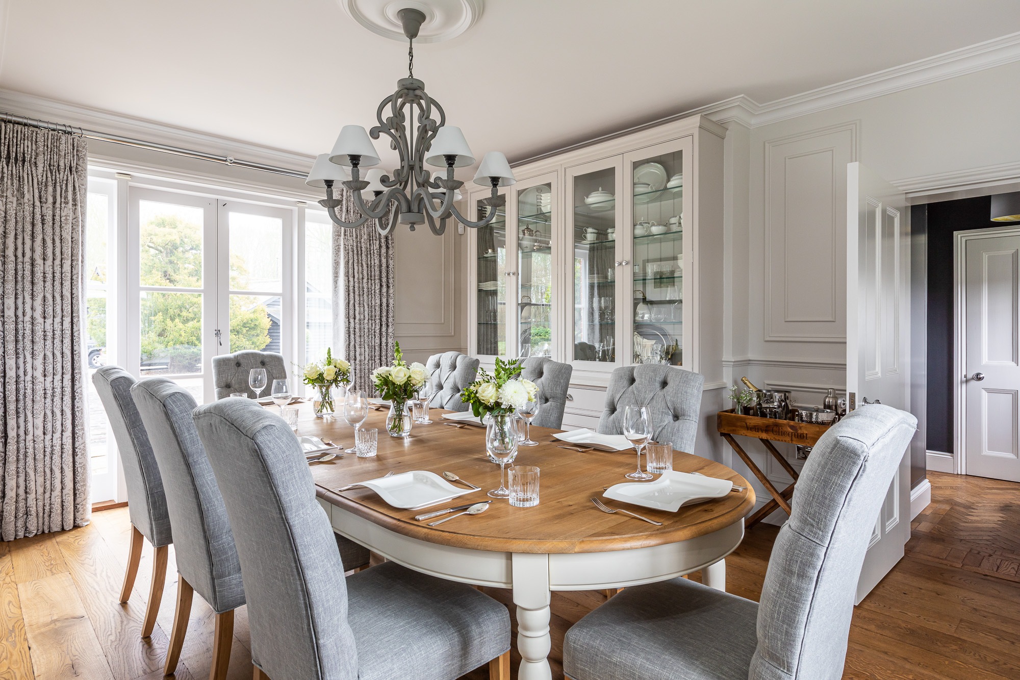 jonathan bond, interior photographer, dining room table & chairs, harlow