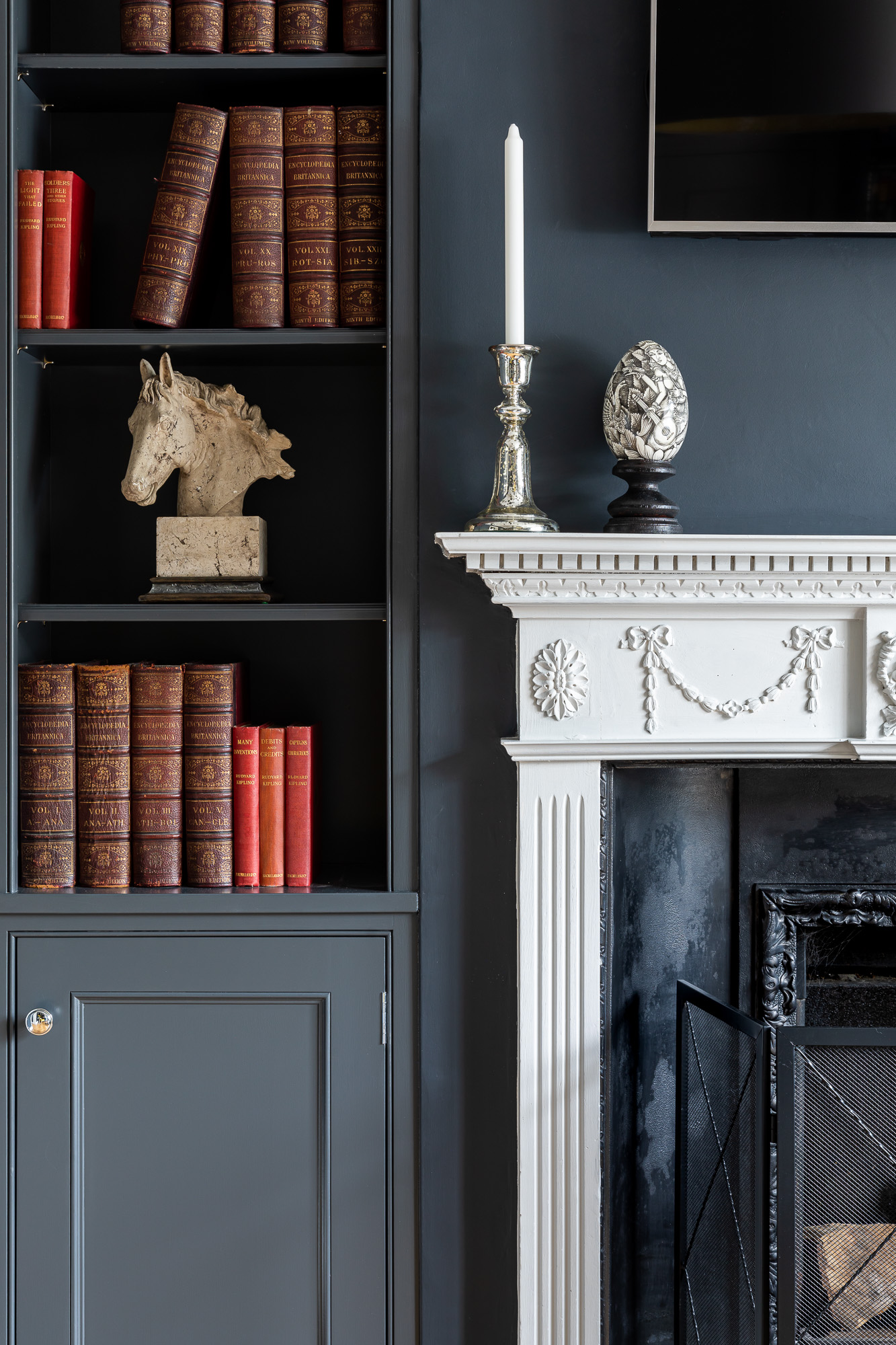 jonathan bond, interior photographer, ornate fireplace & bookcase, harlow