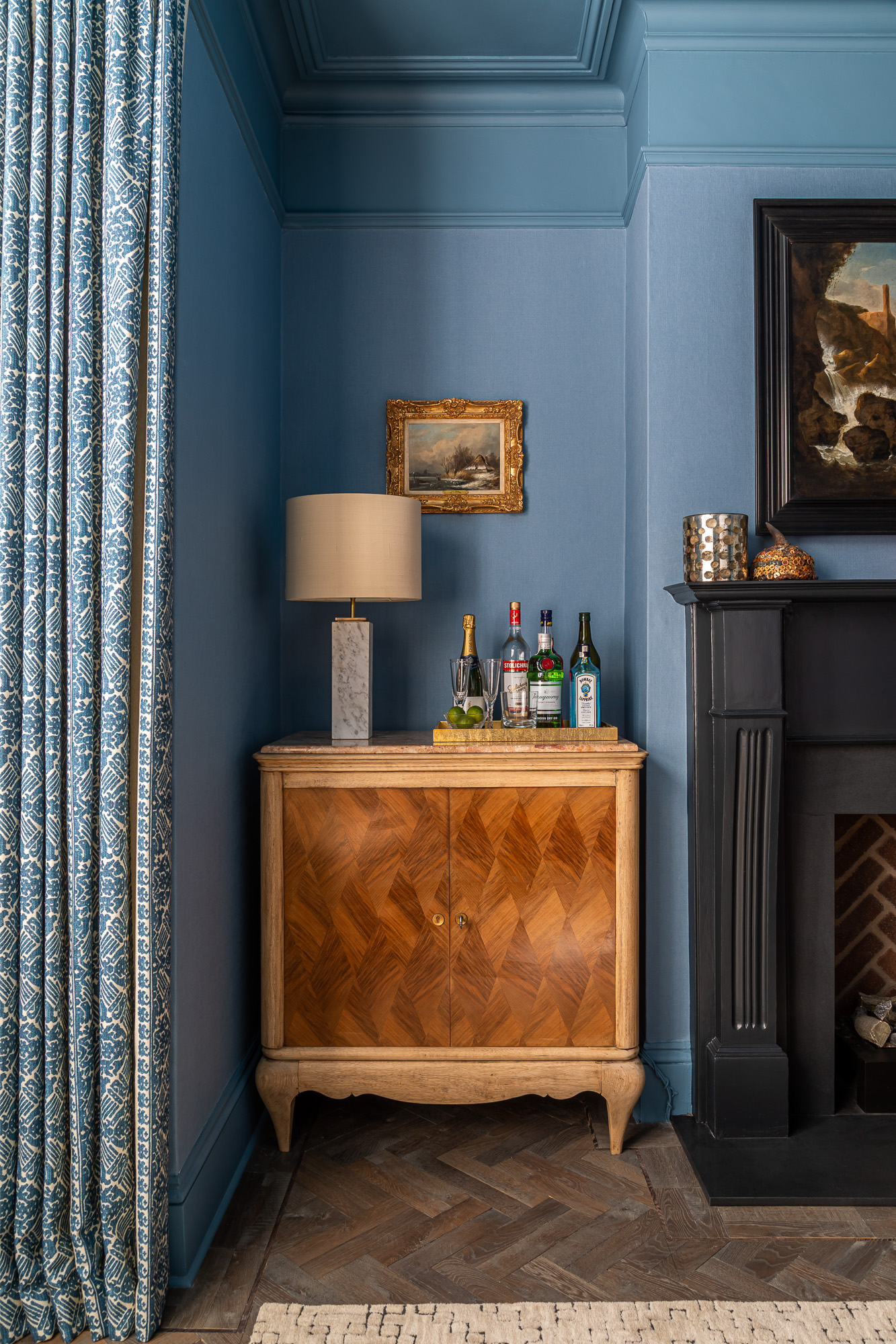 jonathan bond, interior photographer, drinks cabinet, clapham, london