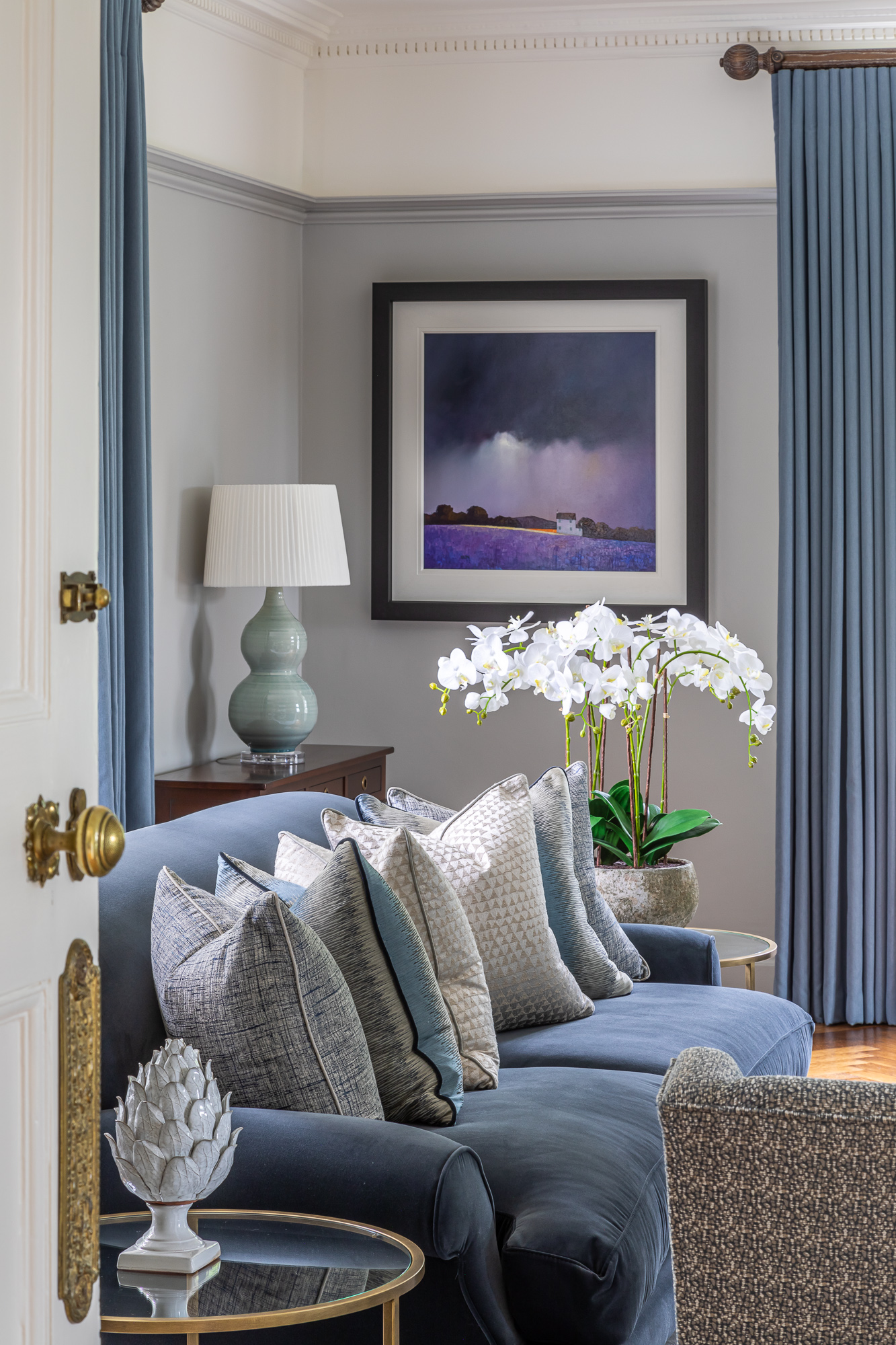 jonathan bond, interior photographer, view of settee in living room, great missenden, buckinghamshire