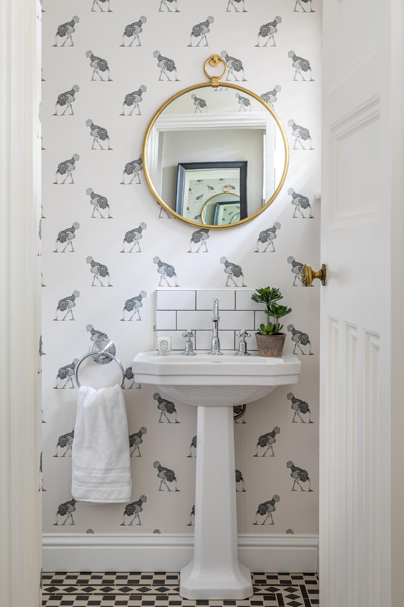 jonathan bond, interior photographer, bathroom wash basin, great missenden, buckinghamshire
