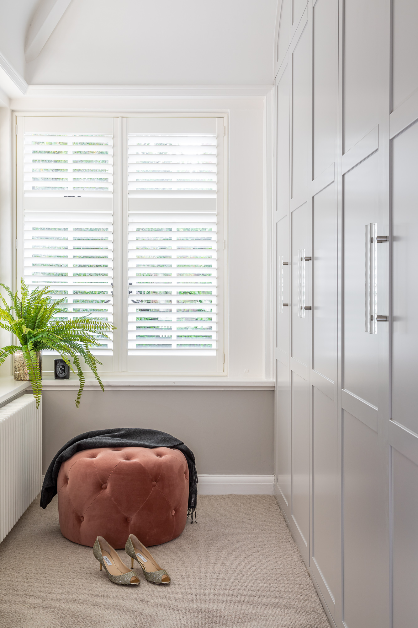 jonathan bond, interior photographer, pouffe by window, great missenden, buckinghamshire