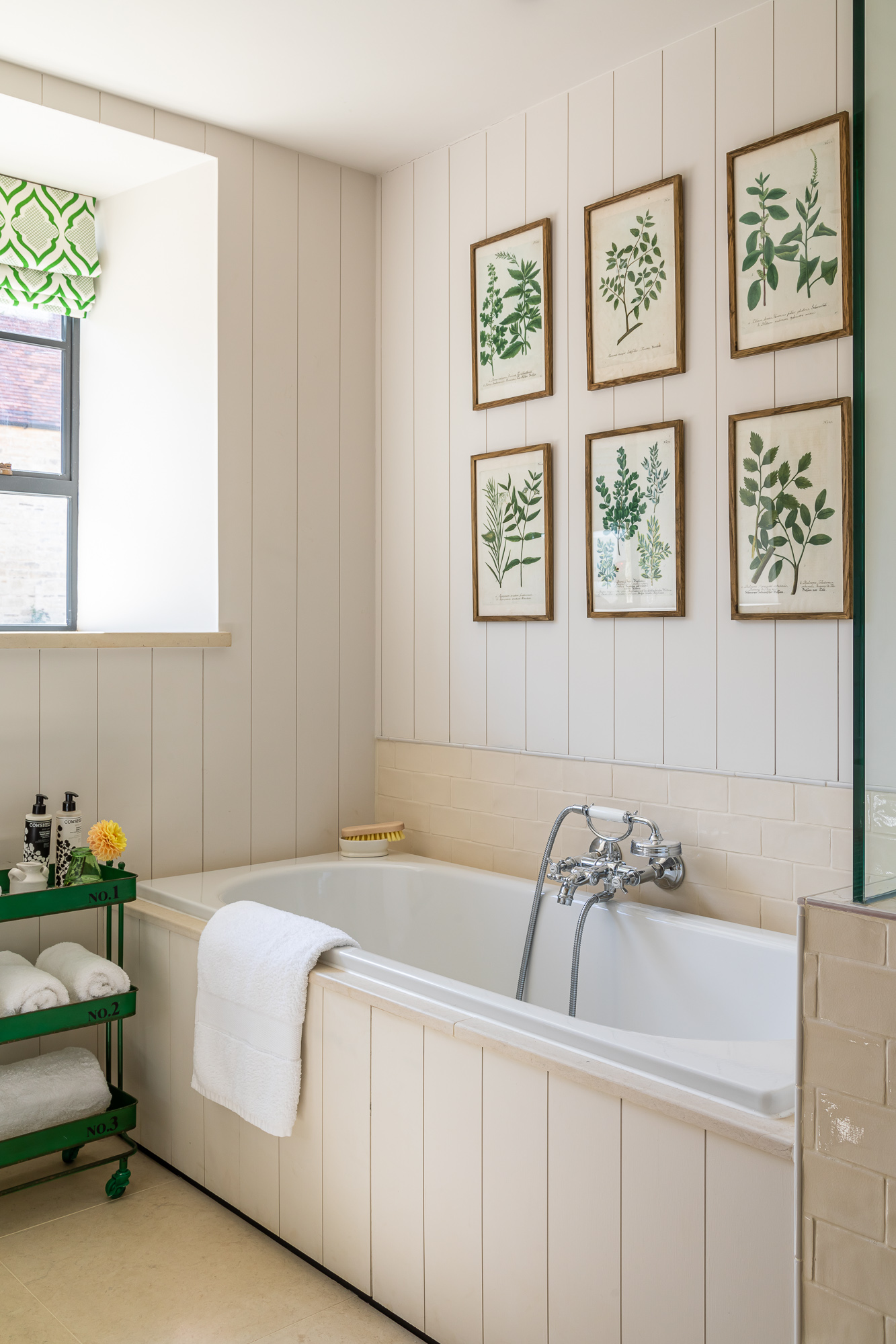 jonathan bond, interior photographer, bathroom bath marnhull