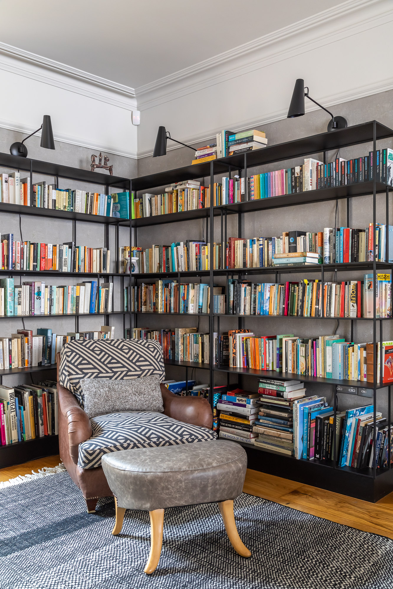 jonathan bond, interior photographer, bookcase, mill road, cambridge